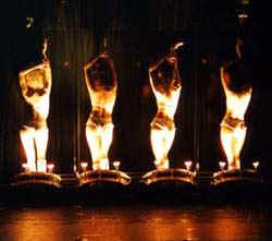 showgirls-of-magic-las-vegas-03.jpg (10759 bytes)
