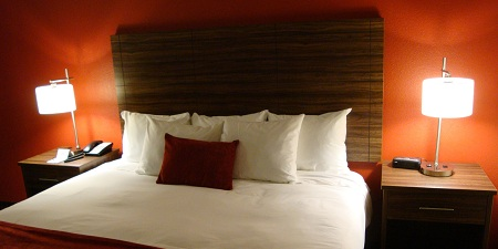 the D king-bed room